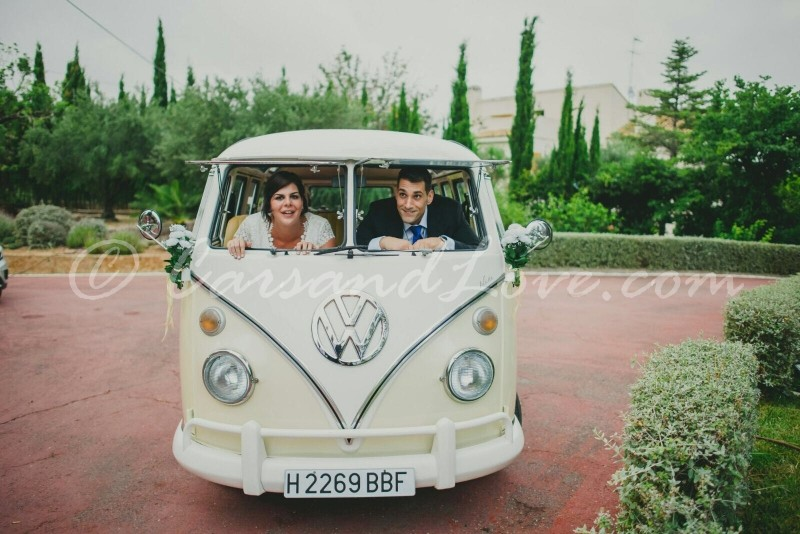 Nuestra furgoneta Volkswagen T1 toda coqueta de boda en Picasent